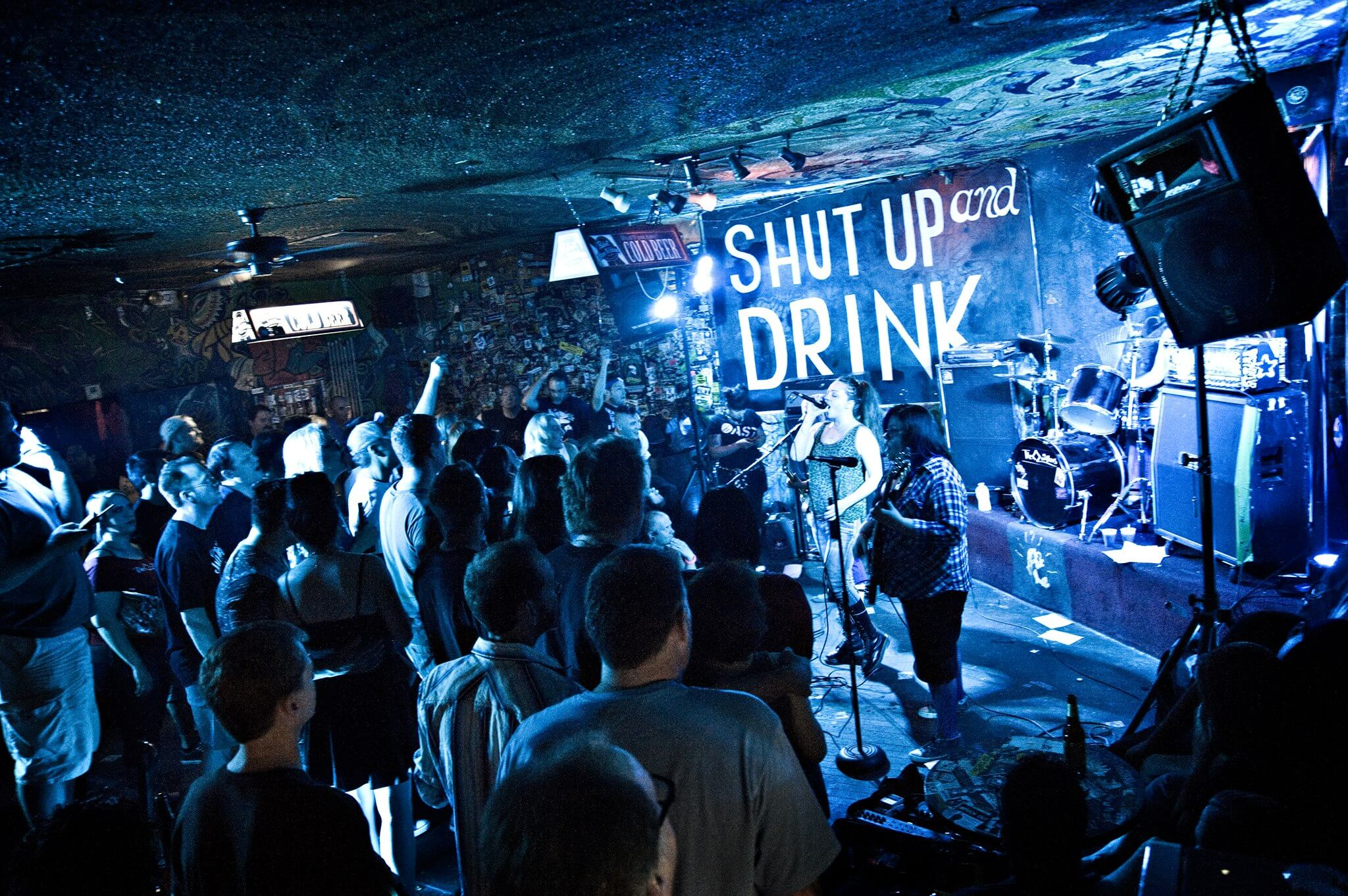 Ten Signs You're at a Real Dive Bar