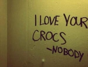 bathroom-graffiti-crocs-e1361372991760
