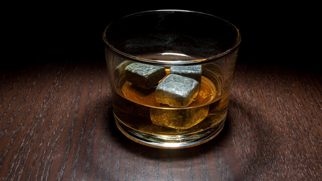 How to use whiskey stones