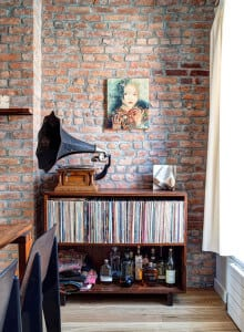 Music And Booze Go Well Together   Very Cool Home Bar Idea