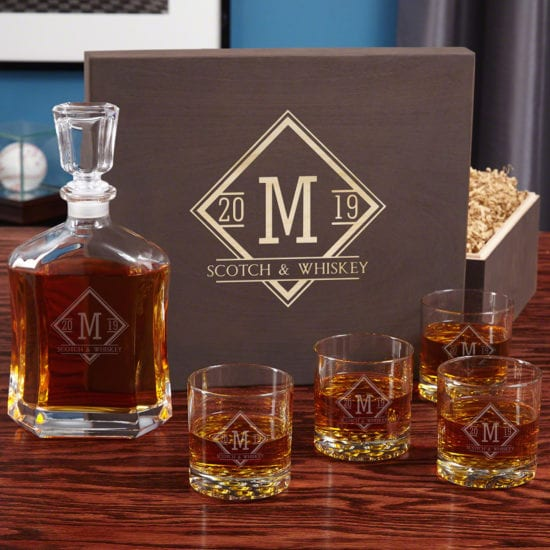 Cool Bourbon glasses and decanter set