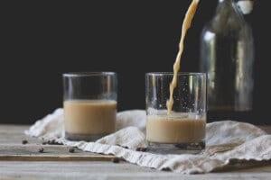 Vanilla-Coffee-Cocktail-650x433