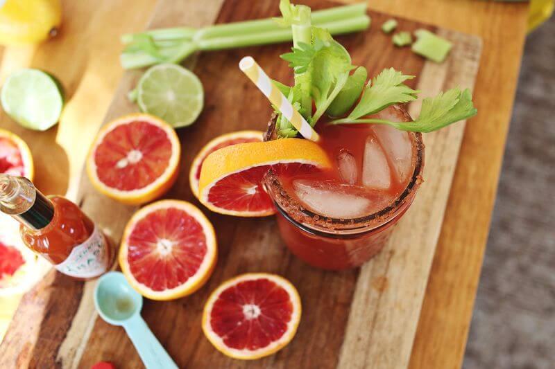 <b>On Sundays We <i>Drink</i> Breakfast</b> &#8211; Brunch Cocktails &#038; Coffee Drinks