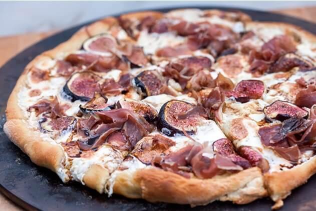 Fig-and-Prosciutto-Pizza-