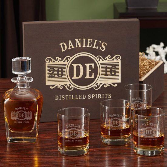 Wood boxed whiskey gift set
