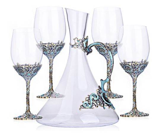 23 Uncommon Wine Glasses