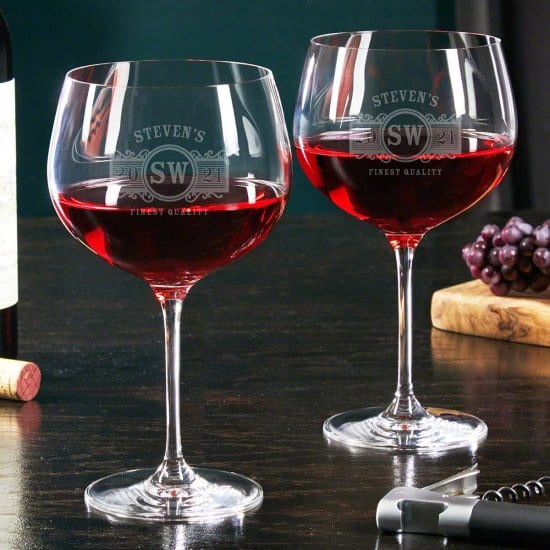 Engraved Pair of Red Wine Glasses