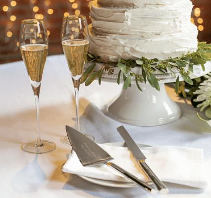 Custom Champagne and Cake Gift Set