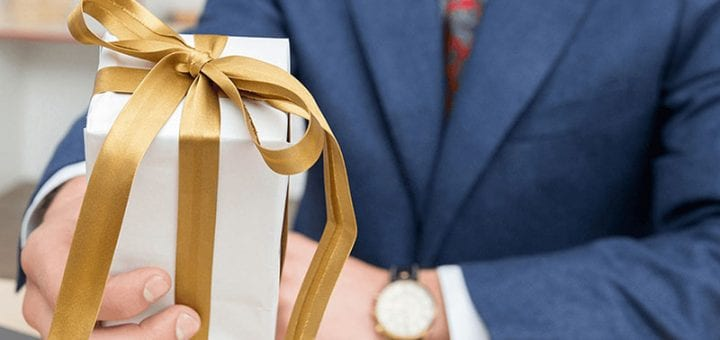 17 Best Corporate Gifts to Impress the Whole Office