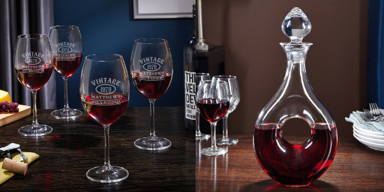 Red Wine Decanter with Stopper and Glasses