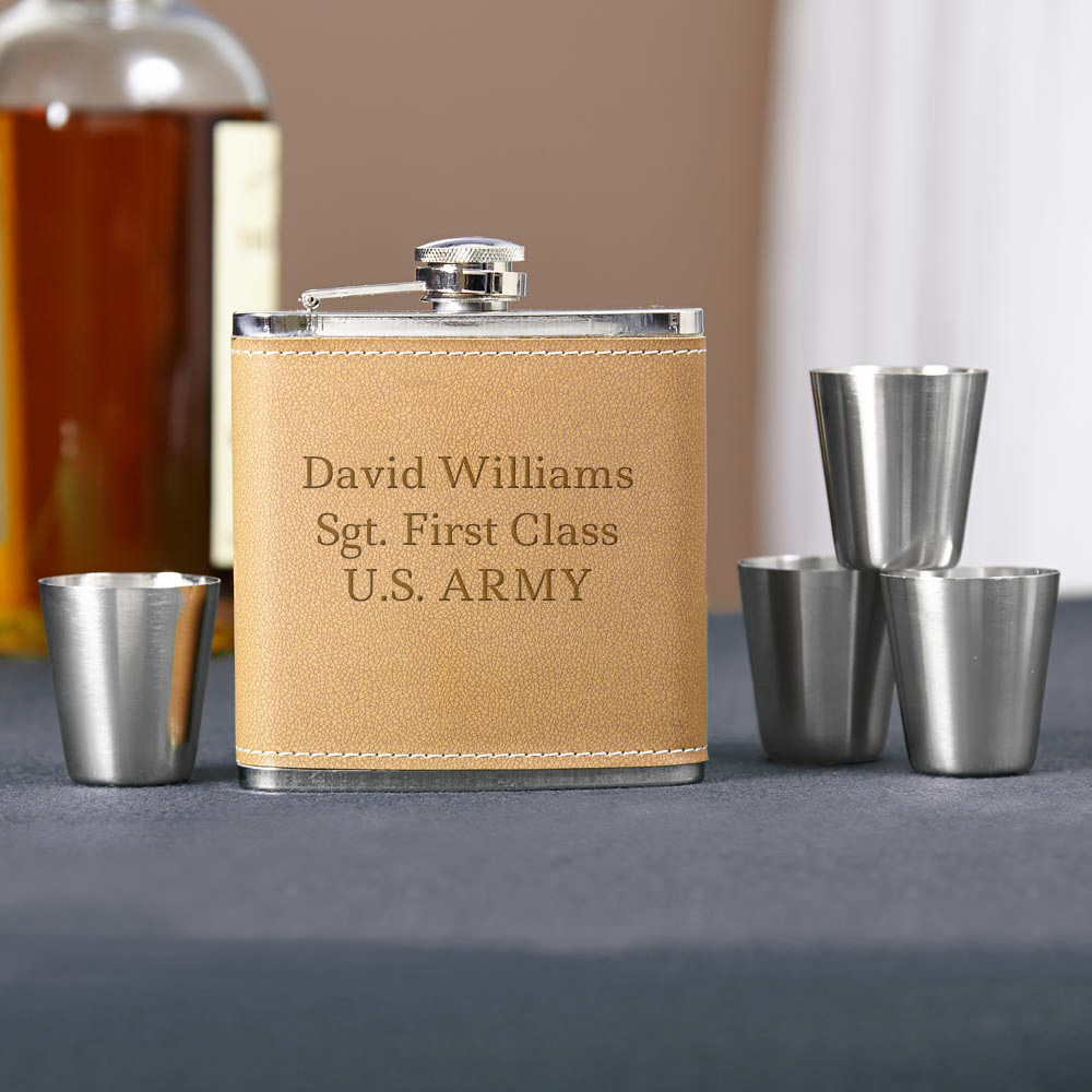 Cocoa-Leather-Engraved-Hip-Flask-Gift-Set