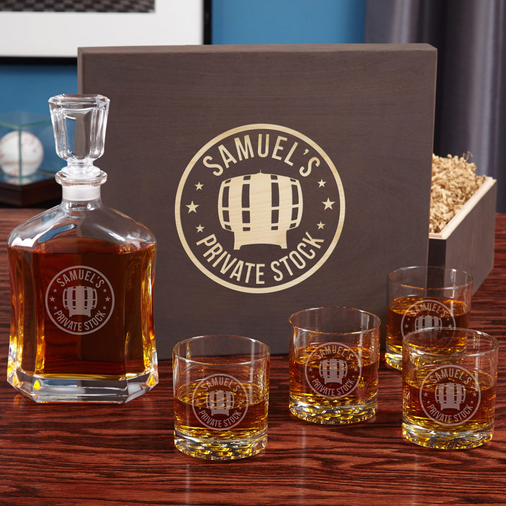 Private-Stock-Engraved-Decanter-and-Whiskey-Glass-Set