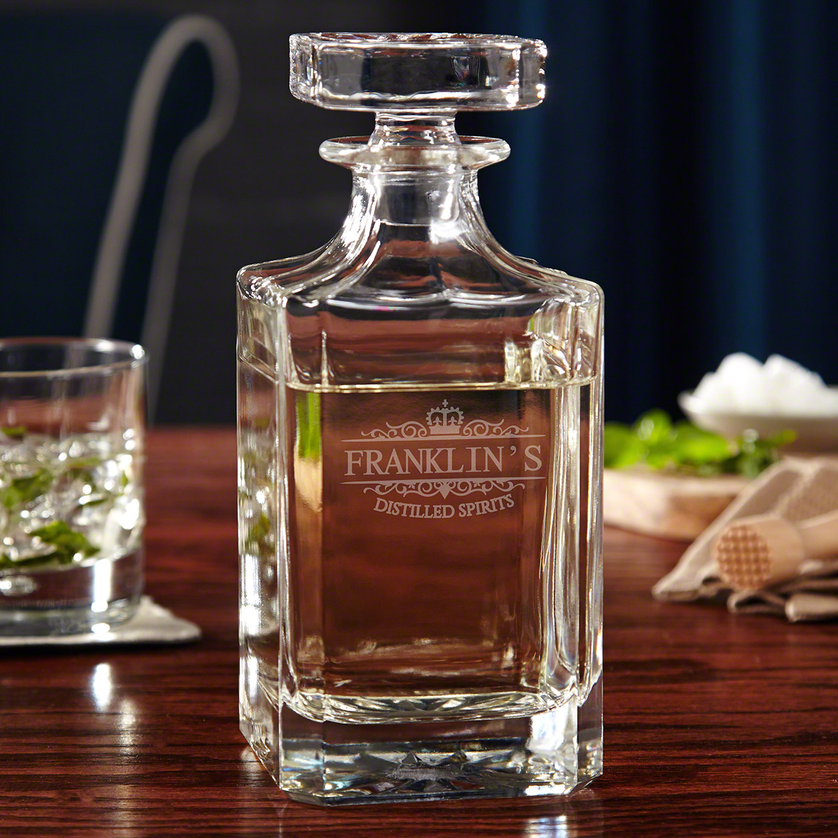 Kensington-Personalized-Gin-Decanter-with-Glass-Stopper