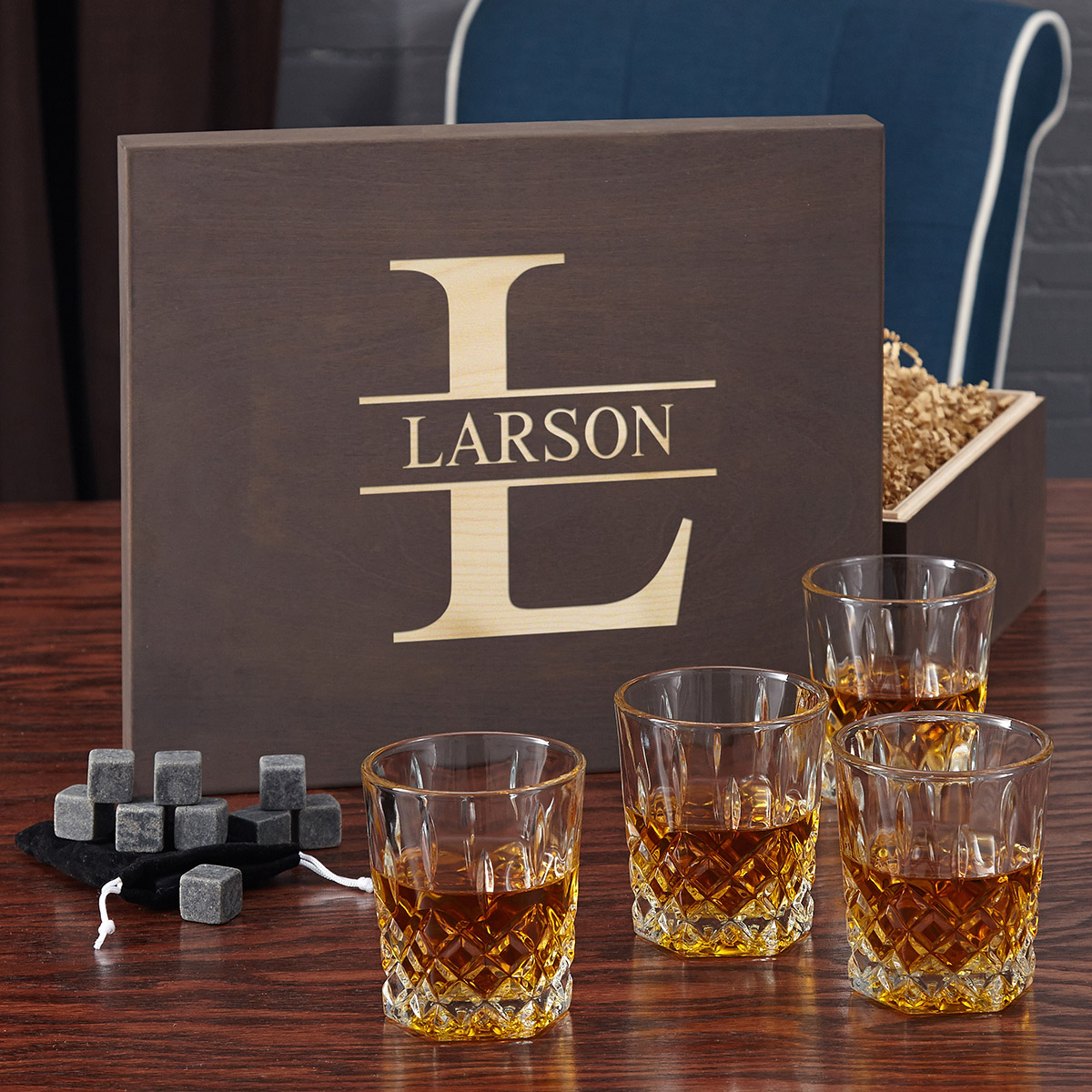 Oakmont Whiskey Lovers Gift Set with Personalized Wood Box