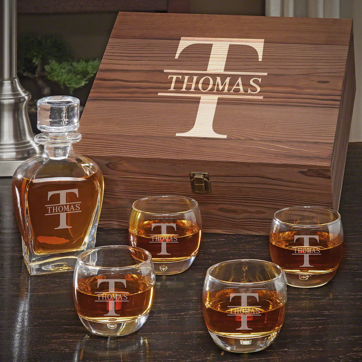 Oakmont-Engraved-Whiskey-Draper-Decanter-Set-with-Uptown-Glasses