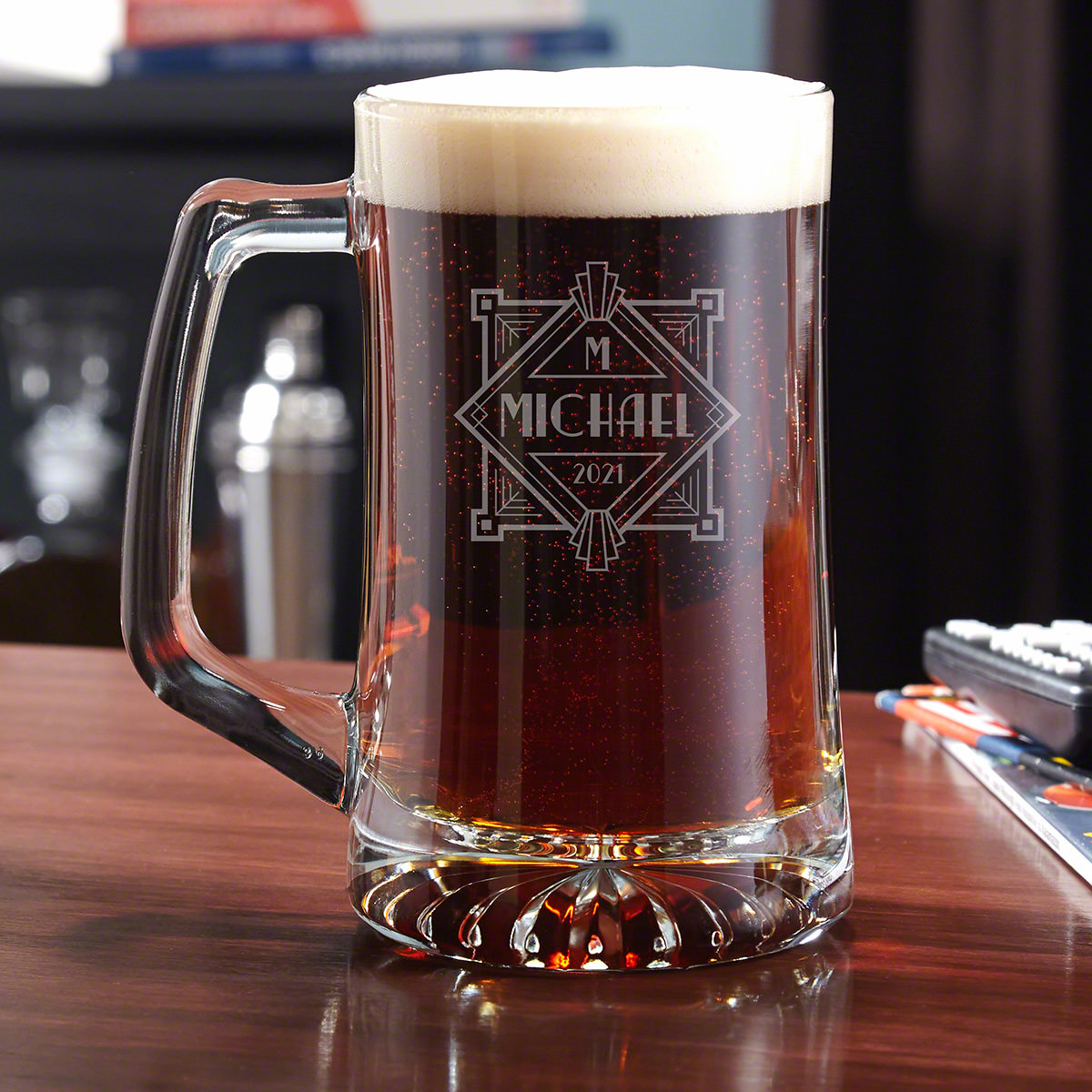 Strong and sturdy: two characteristics that you want from your glassware. This engraved beer mug is a fantastic addition to your glassware collection because it's crafted from very thick glass, so your beer will stay nice and cold inside. The handle ens #mug