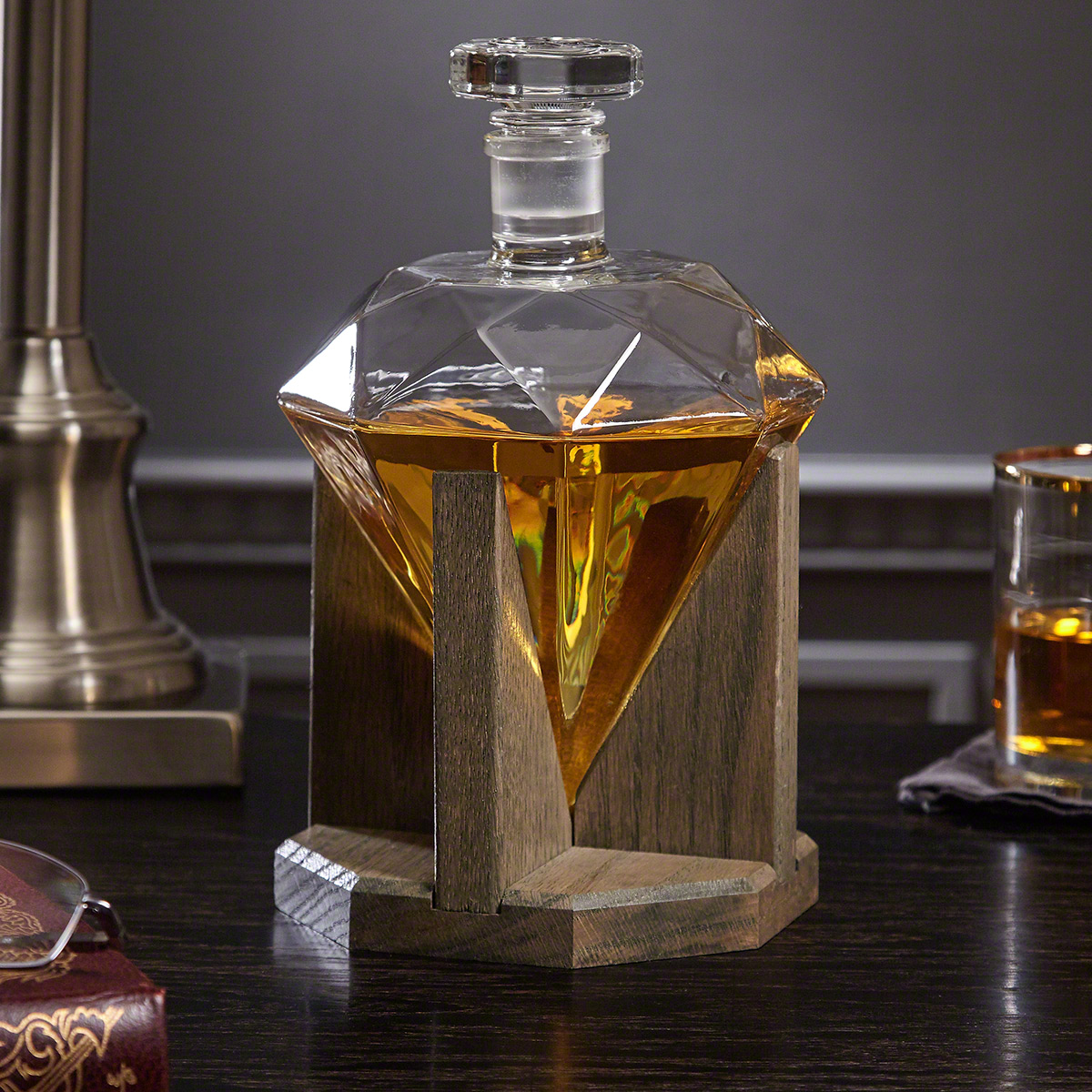 Timeless-Diamond-Decanter-with-Red-Oak-Stand