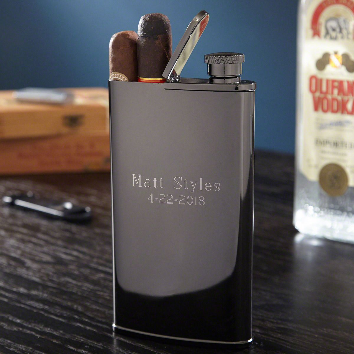 Midnight Gray Personalized Gunmetal 2-in-1 Cigar Flask Combo
