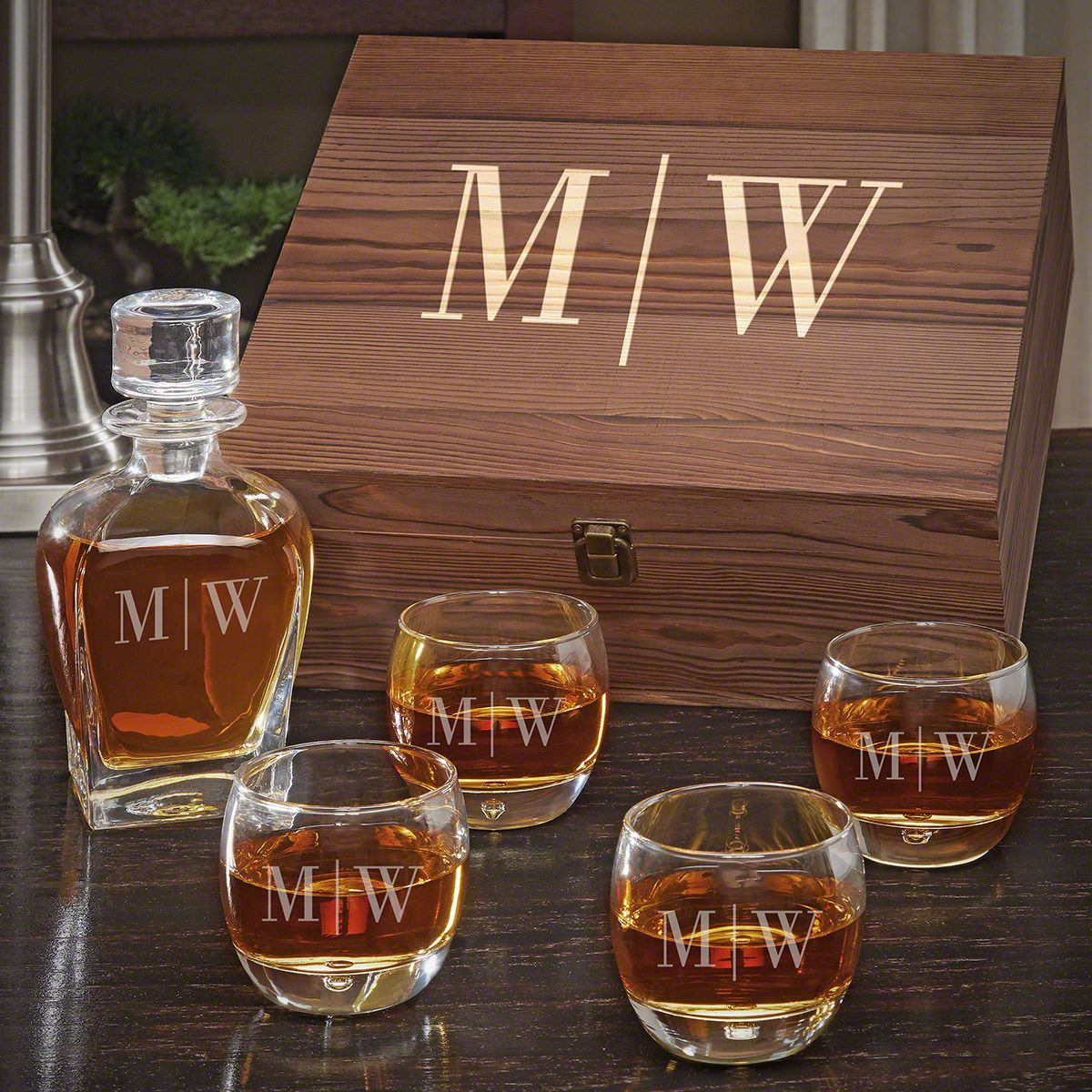 Quinton Draper Decanter Personalized Whiskey Gift Set with Uptown Glasses