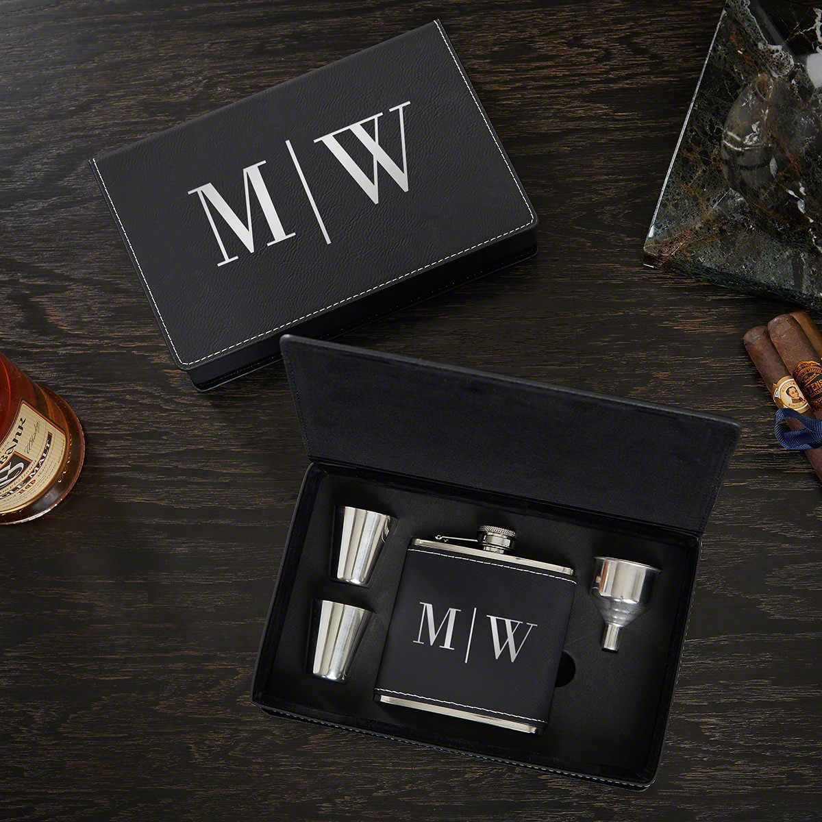 Quinton Monogram Personalized Flask Gift Set