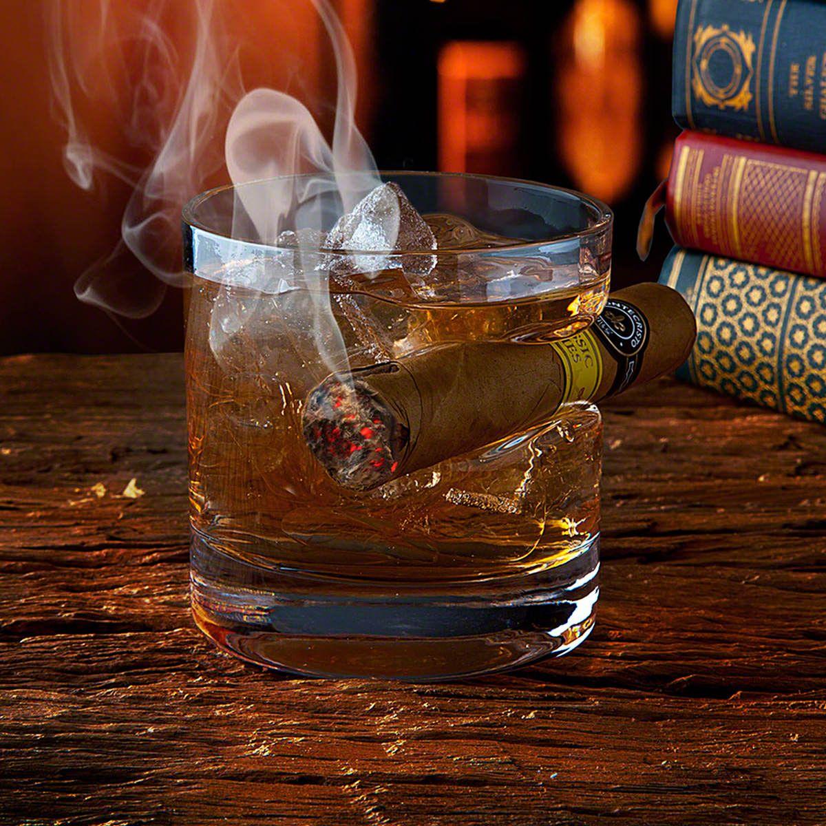 Round Whiskey Glass Cigar Holder