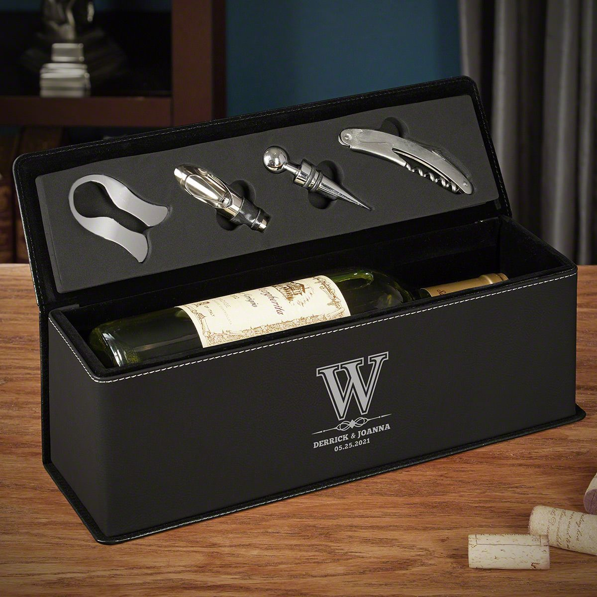 Lyndhurst Personalized Black Leather Wine Gift Box