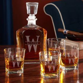 Oakmont Personalized Decanter Set with Whiskey Glasses